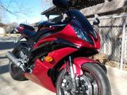 2011 Yamaha YZF-R6 Black & Red 6224 miles Excellent condition.
